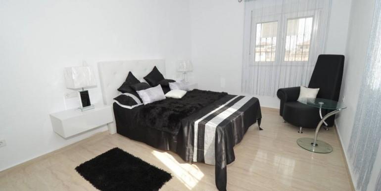 Schlafzimmer1 EG